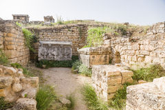 Pamukkale Turkiet Gravvalv och sarkofag i nekropolen av Hierapolis Royaltyfri Bild