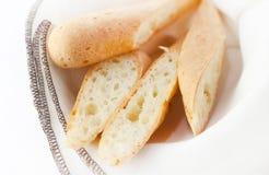 Pan blanco en un fondo blanco fotografía de archivo