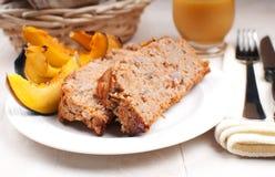 Pan con carne de tierra del pavo y calabaza asada Fotografía de archivo