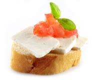 Pan con queso de cabra foto de archivo libre de regalías