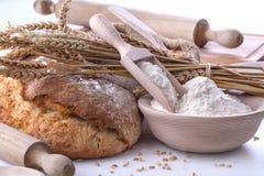 Pan con trigo y harina imágenes de archivo libres de regalías
