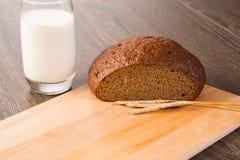 Pan cortado con los cereales Imagen de archivo