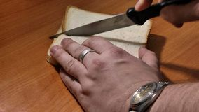 Pan cortado para la tostada almacen de video