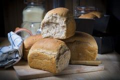 Pan de pan amargo hecho en casa con las semillas Imagen de archivo libre de regalías