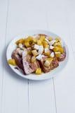 Pan de Eggy con las manzanas y el café guisados Foto de archivo libre de regalías