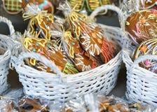 Pan de jengibre como recuerdos en el mercado de la Navidad de Vilna Fotografía de archivo libre de regalías