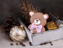 Pan de jengibre del jengibre bajo la forma de oso de peluche Imagenes de archivo