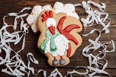 Pan de jengibre hecho en casa de la Navidad del gallo Foto de archivo
