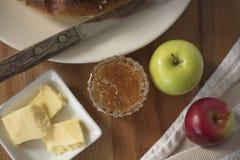 Pan de la acción de gracias con mantequilla y atasco Fotos de archivo
