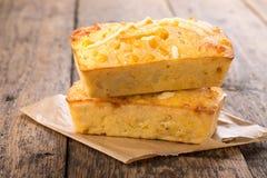 Pan de maíz recientemente cocido fotografía de archivo