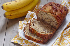 Pan de plátano con la pacana Fotos de archivo