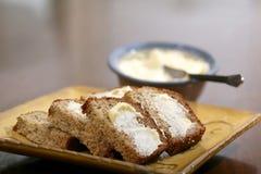 pan de plátano recientemente cocido al horno Imagen de archivo
