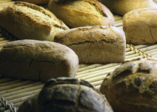 Pan de una panadería parisiense Imágenes de archivo libres de regalías