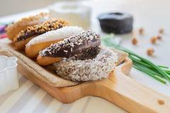 Pan del buñuelo del chocolate imagen de archivo libre de regalías