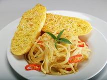 Pan del espagueti y de ajo Imagen de archivo libre de regalías
