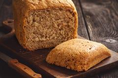 Pan del pan integral hecho en casa fotos de archivo