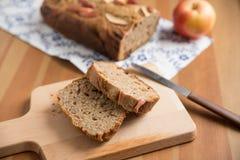 Pan del pan de nuez de manzana Imagen de archivo