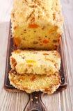 Pan del t? del albaricoque con el desmoche de la migaja imagenes de archivo