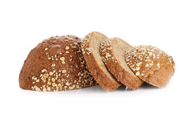 Pan del trigo integral aislado en el fondo blanco fotos de archivo libres de regalías
