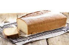 Pan di Spagna con l'aroma del limone Immagini Stock