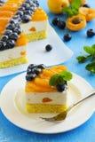 Pan di Spagna con la mousse del yogurt Fotografia Stock