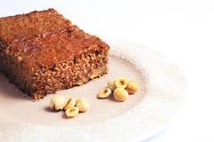 Pan di Spagna della nocciola e del cioccolato Fine in su Immagine Stock
