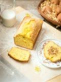 Pan di Spagna nello stile rustico fotografia stock