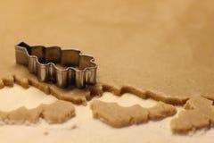 Pan di zenzero di cottura Fotografia Stock