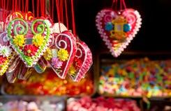 Pan di zenzero di forma del cuore di giorno di biglietti di S. Valentino di Natale Fotografie Stock