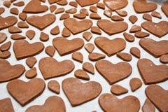 Pan di zenzero a forma di del cuore Immagini Stock