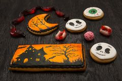 Pan di zenzero di Halloween con progettazione mistica Immagini Stock