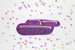 Pan di zenzero sotto forma di carro armato per l'uomo che amava Carro armato dolce per la festa fotografia stock