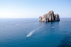 Pan di Zucchero (Nebida) Uma ilha rochosa no centro do SE Fotografia de Stock