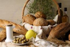 Pan en cesta Fotografía de archivo libre de regalías