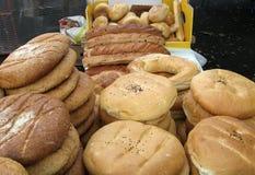 Pan en el mercado de los granjeros Foto de archivo libre de regalías