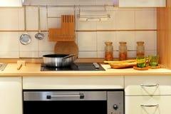 Pan en oven royalty-vrije stock afbeeldingen