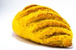 Pan francés con maíz en el fondo blanco Imagen de archivo libre de regalías
