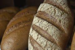 Pan fresco en el estante Imagen de archivo