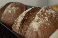 Pan fresco en el estante Imagen de archivo libre de regalías