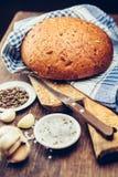 Pan fresco y especias Imagenes de archivo