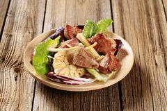 Pan fried pork and vegetable salad Royalty Free Stock Images