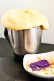Pan hecho en casa del robot de la cocina fotos de archivo