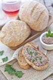 Pan hecho en casa del trigo integral Imagen de archivo