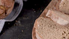 Pan hecho en casa fresco almacen de metraje de vídeo
