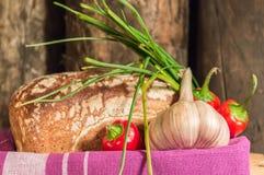 Pan, huevo, leche y verduras Desayuno Imagen de archivo libre de regalías