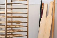 Pan leudado y algunos instrumentos Imágenes de archivo libres de regalías