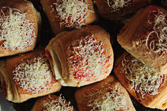 Pan llenado tomate del queso Fotos de archivo libres de regalías