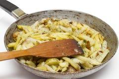 Pan met gebraden aardappels Stock Foto