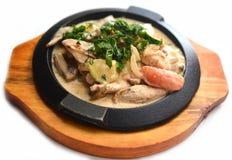 Pan met kip en greens Royalty-vrije Stock Fotografie
