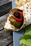 Pan plano con el Falafel y Hummus Fotografía de archivo libre de regalías